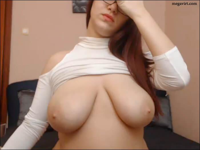 Big tits online
